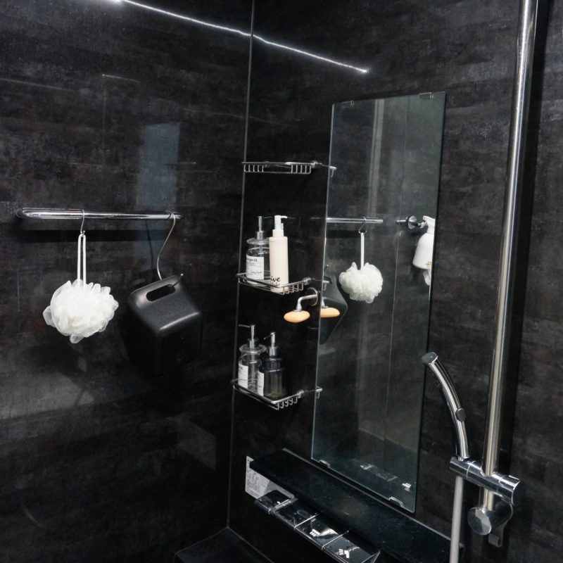 黒いバスルーム(パナソニック オフローラ)の掃除方法★ …と、これまたバスルームで後悔したハナシ
