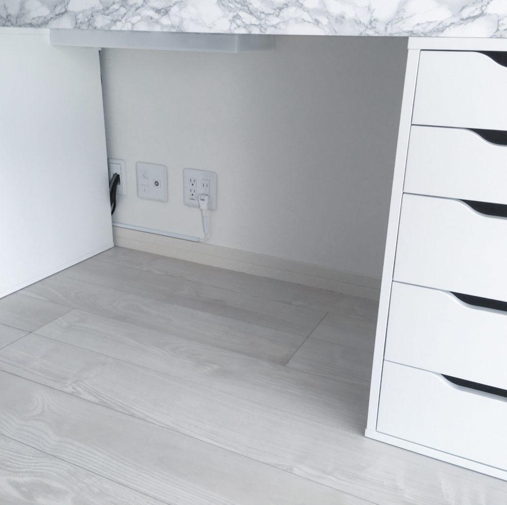 ★DIY★机の裏に貼り付けるケーブルボックスを自作