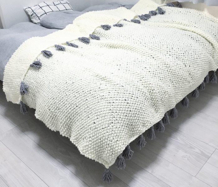 続・自作ベッドカバー☆毛糸のタッセルの作り方とつけ方