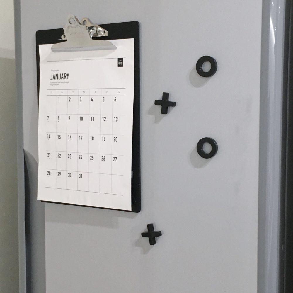 100均DIY♪冷蔵庫にクリップボードでおたよりなどをすっきり整理