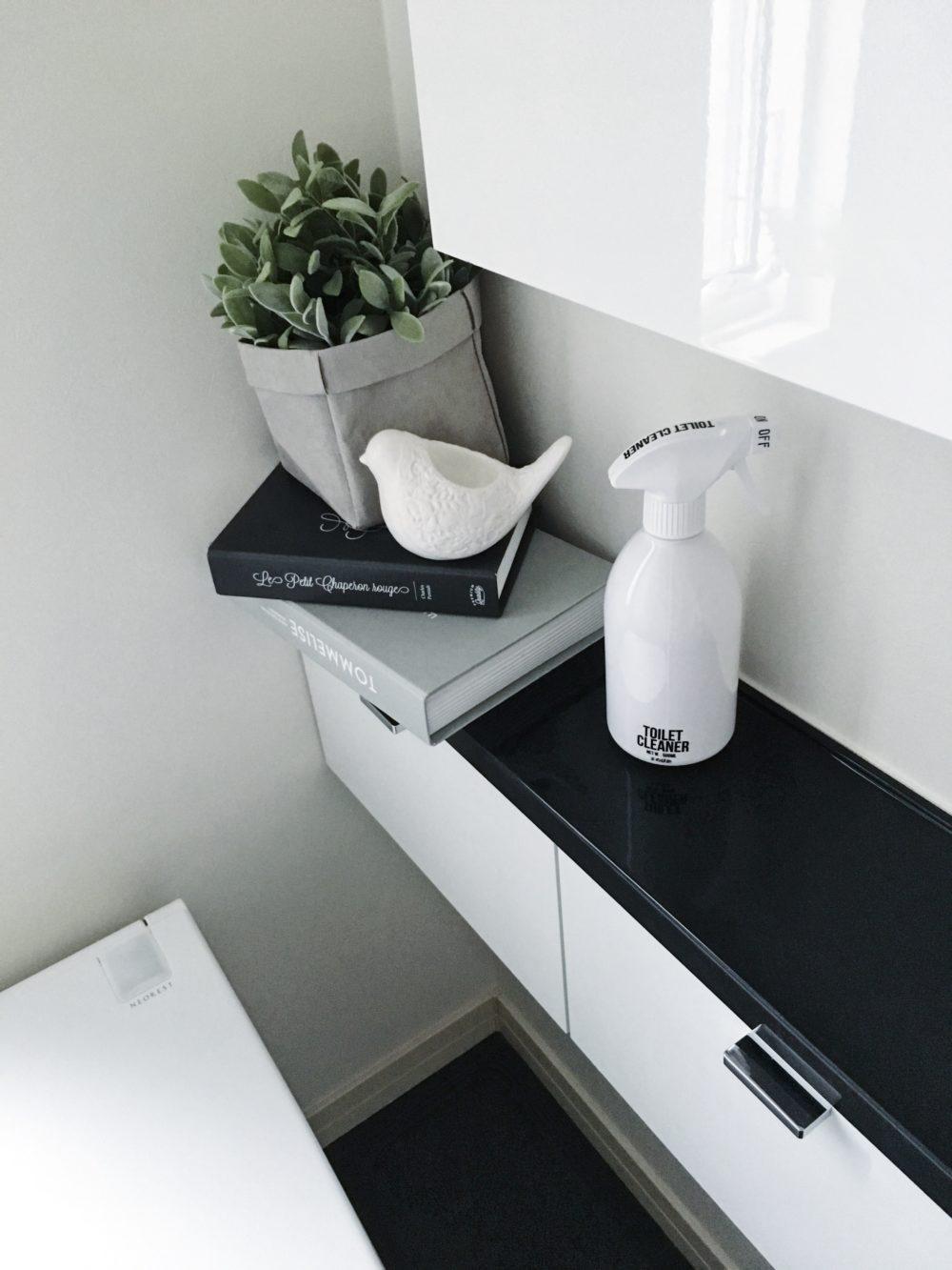 我が家のモノトーントイレインテリアとトイレ掃除の頻度