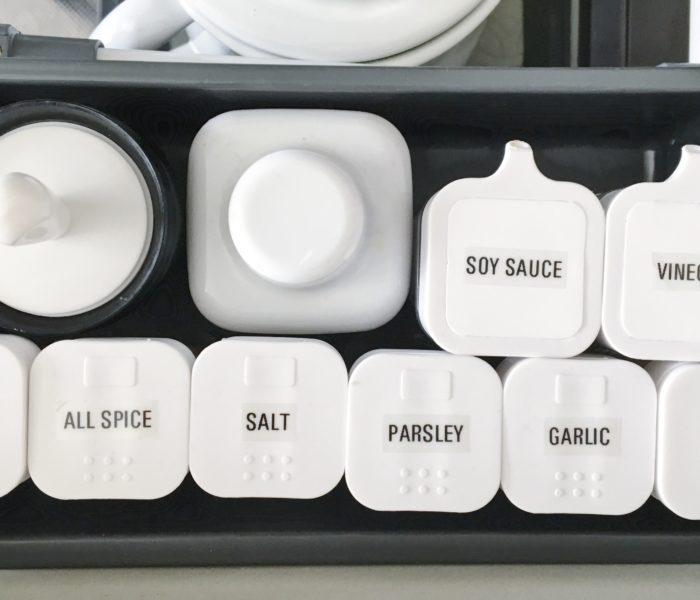こだわりのキッチン雑貨★工房アイザワの計量スプーンとSALUSのオイルブラシ