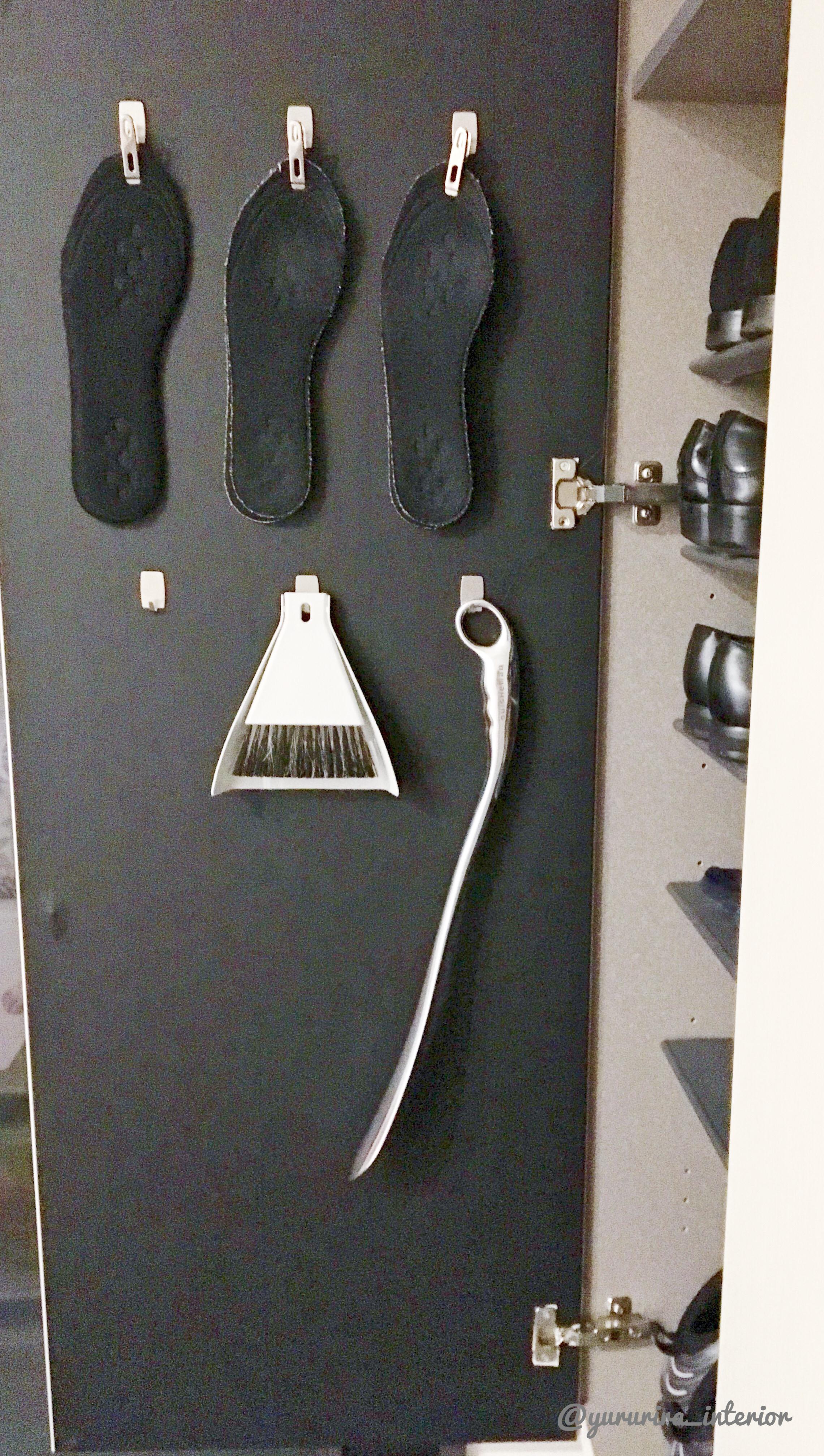 ダイソーアイテムでプチDIY☆下駄箱の扉内側を活用した収納♪