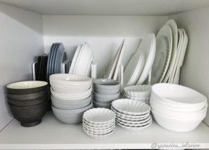 食器棚収納 モノトーン