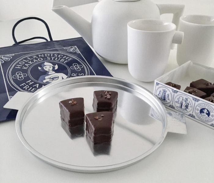 ドイツの伝統菓子とお気に入りのイイホシユミコさんの食器