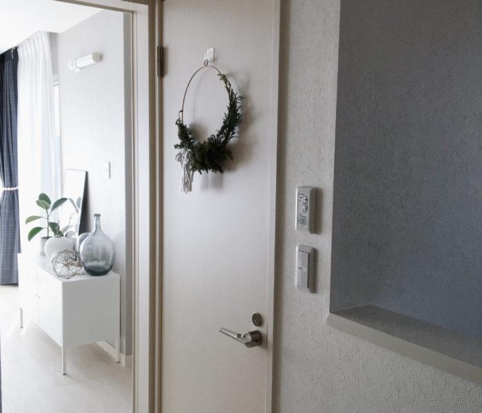 2階のトイレドアに手作りリース♪と「エアキス」の話