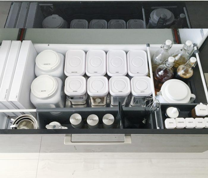 ★folk連載その32★白ベースの調味料収納と本当に使える詰め替え容器♪