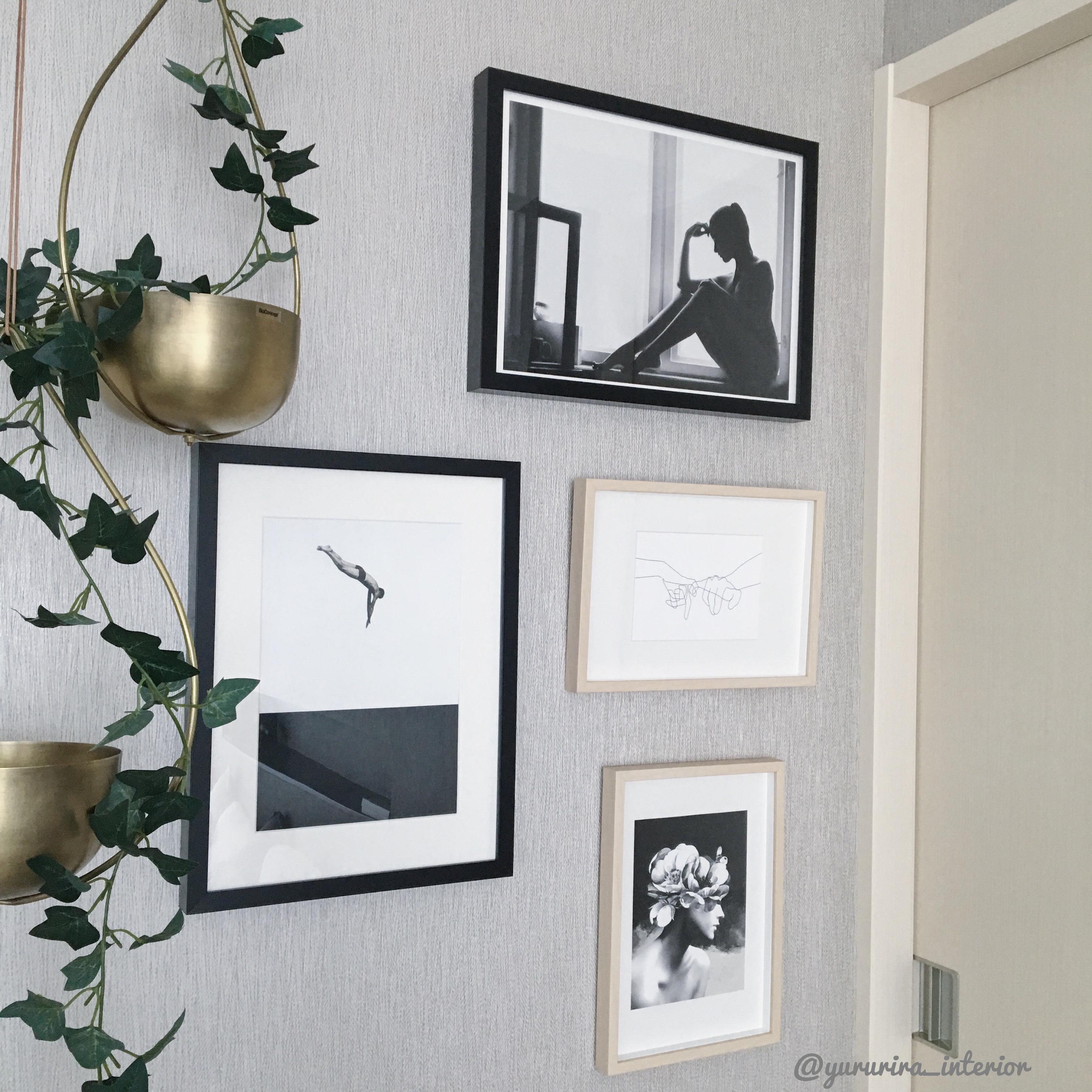 海外ポスター×IKEAフレームで飾る主寝室の壁面