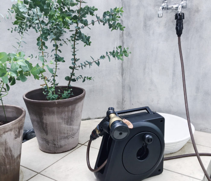 【庭活】新調した黒色ガーデンホースと庭の水栓