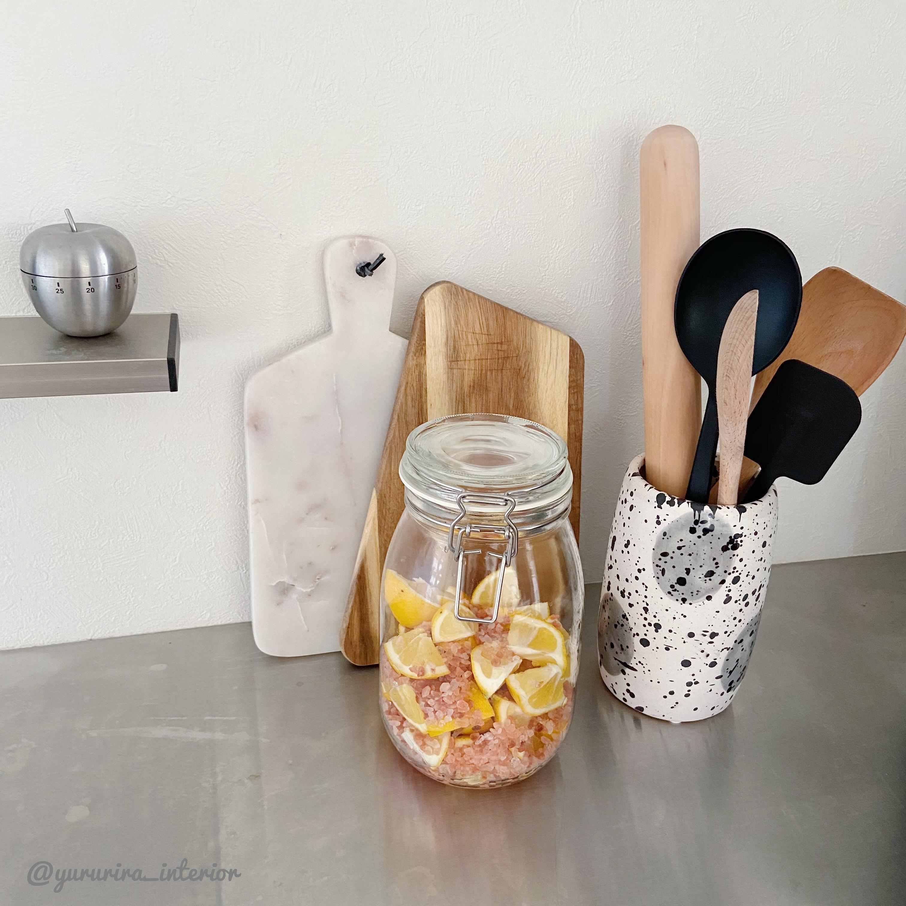 IKEAの保存容器とピンクソルトで…今さらながらの「塩レモン」作り