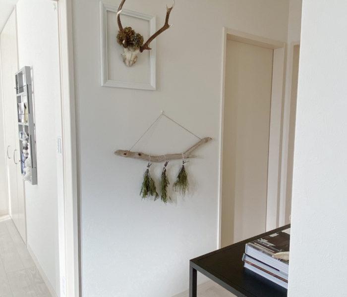 流木×グリーンで♪シャビーシックな壁面飾りを