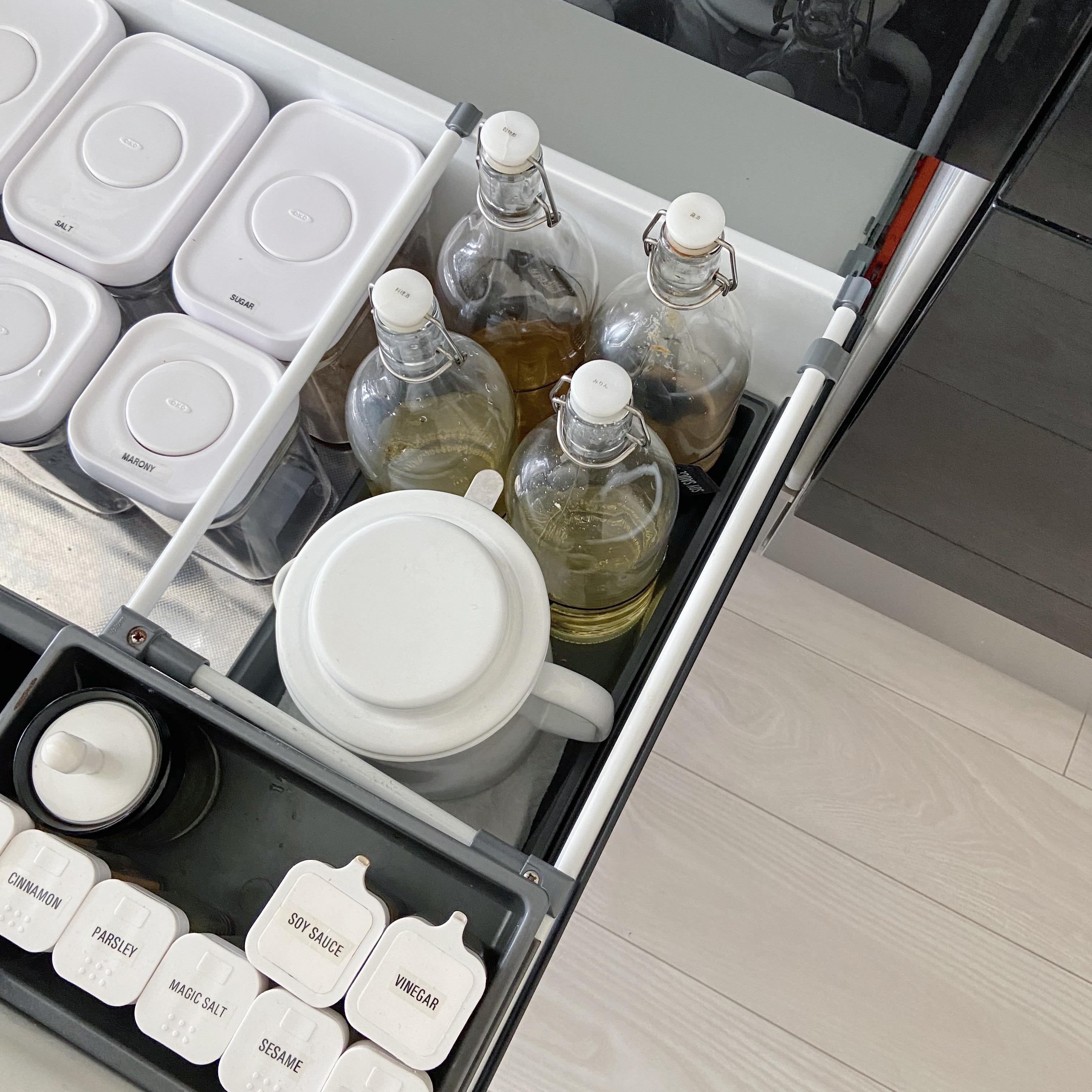 LIMIA記事★IKEAのガラス瓶で液体調味料をおしゃれに収納♪