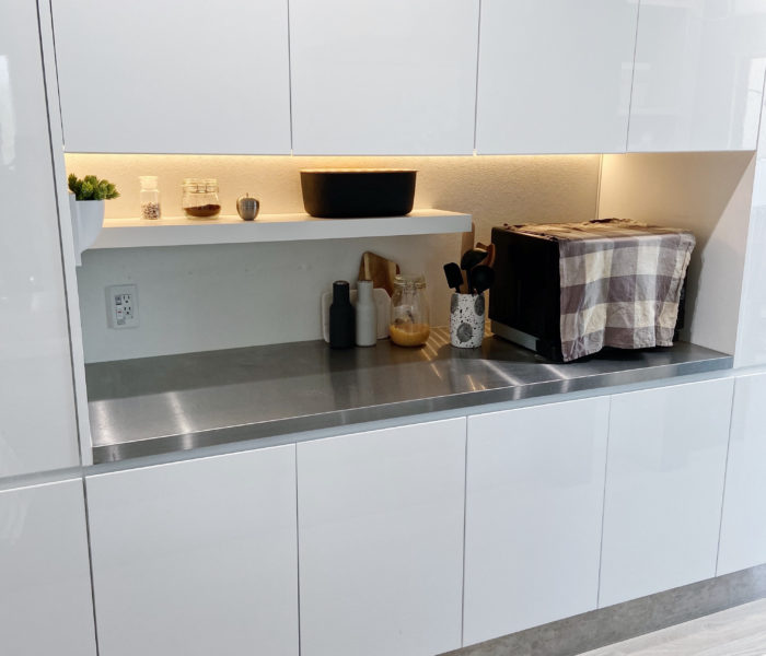 キッチンにIKEAのラックを設置→使いやすい棚ができました♪