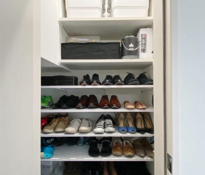 玄関改造開始!土間収納に可動棚を設置して靴を収納♪