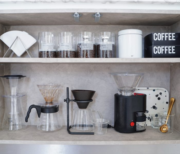 コーヒー豆の密封容器とコーヒーアイテム収納♪